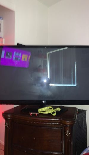 40 inch LG plasma TV for Sale in Milwaukie, OR