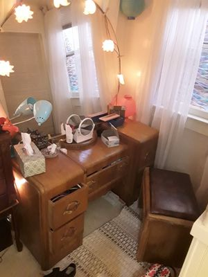 Art deco vanity w/ mirror and bench seat for Sale in Chico, CA