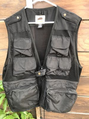 VEST FISHING HUMVEE ( size xl. Condition exelente) for Sale in Miami, FL