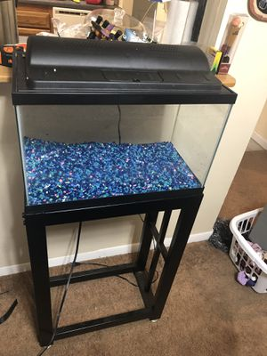 10 gallon fish tank and stand for Sale in Naugatuck, CT