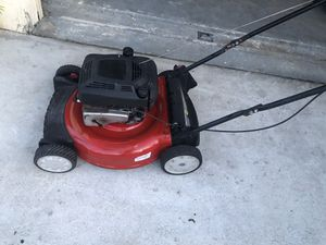 Lawn mower lawnmower easy push mower ready to be use first $99 cash takes it the price is firm for Sale in Miramar, FL