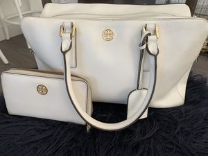 Tory Burch White Handbag and Matching Wallet for Sale in Atlanta, GA