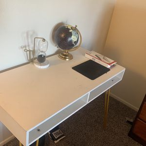Computer/Work Desk for Sale in Phoenix, AZ