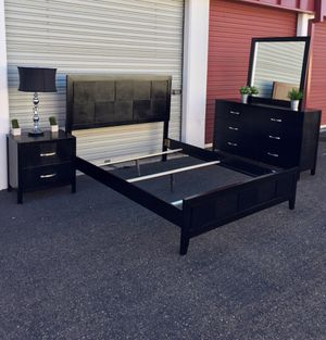 Complete 4 piece bedroom set Queen size Black wood for Sale in San Diego, CA