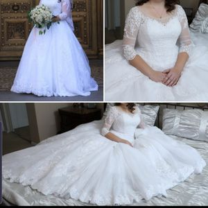 Wedding dress Davis bridal size 12-14 for Sale in Portland, OR