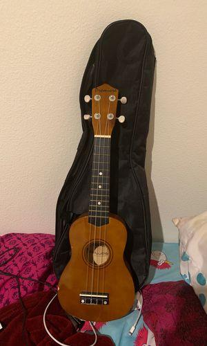 Ukelele guitar for Sale in Nuevo, CA