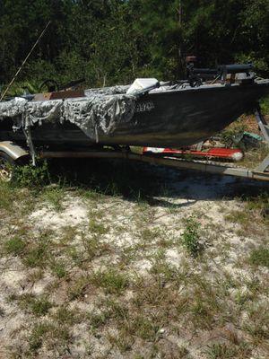 16 foot aluminum boat for Sale in Ludowici, GA