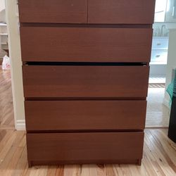 Dresser for Sale in Costa Mesa,  CA