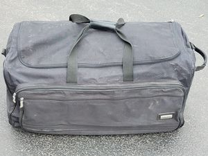 Duffle Bag w/ Wheels for Sale in Downers Grove, IL