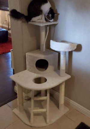 New in box $40 each 22x22x48 inches tall corner cat tree scratcher with ladder beige or black color for Sale in Whittier, CA