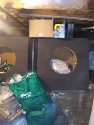"""Custom speaker box 15"""" for chevy silverado xtra cab $60 obo for Sale in Fresno, CA"""