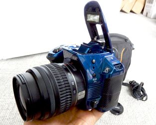Pentax K-30 DSLR camera. Body and 18-55 lens. Metallic blue. Excellent Like NEW w/ case for Sale in Saint Paul,  MN