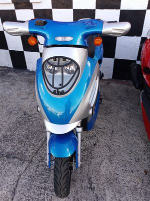 49cc BOOM SCOOTER for Sale in Lakeland, FL