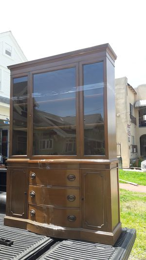 Antique China hutch for Sale in Los Angeles, CA