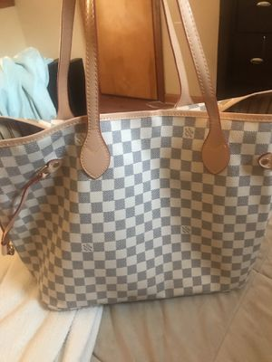 """Never full"" Louis Vuitton bag for Sale in Parma, OH"