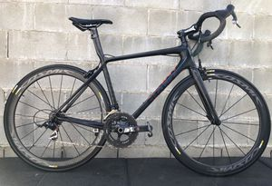 Giant TCR Advanced SL 2 carbon road bike 16lbs bicycle for Sale in Los Angeles, CA