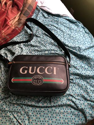 GUCCI MESSENGER BAG for Sale in Martinez, CA