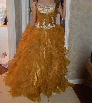 BEAUTIFUL Dark Gold SWEET 16 / QUINCEANERA Dress SIZE 1-2 for Sale in Alafaya, FL