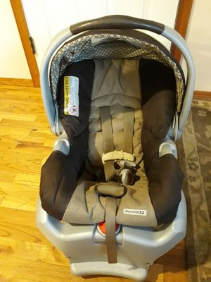 VERY NICE CARSEAT FOR CHILDREN'S FOR SALE for Sale in Bellevue, WA