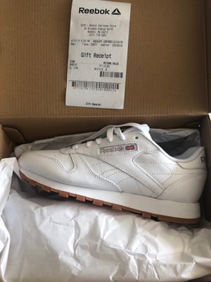 Reebok Shoes- BRAND NEW IN BOX- Size 8 for Sale in Chicago, IL