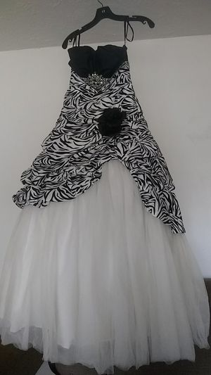 Quinceanera dress for Sale in Riverside, CA