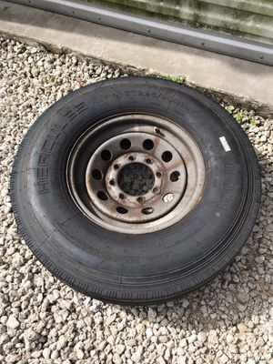 8 lug , 225/90r16 trailer tire and rim for Sale in Southwest Ranches, FL