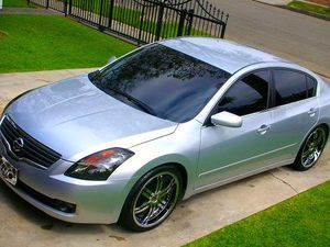 2OO8 Nissan-Altima price $1000 for Sale in Uniondale, NY