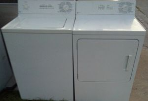 BEAUTIFUL SUPER CAPACITY WASHER DRYER 0PP0SET for Sale in West Palm Beach, FL