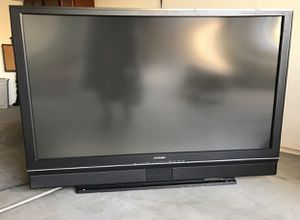 60 inch Mitsubishi TV for Sale in Gilbert, AZ