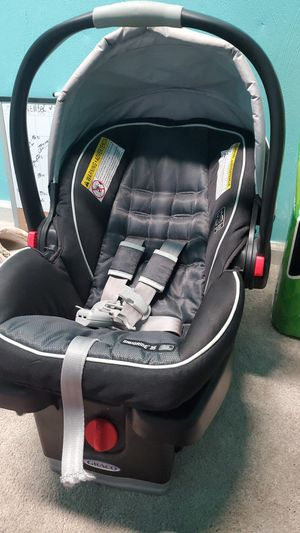 Graco infant car seat and base for Sale in Chesapeake, VA
