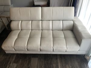 Sectional couches for Sale in Tampa, FL