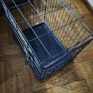 Premium Dog Crate Kennel 24 Inch Medium for Sale in Brooklyn, NY