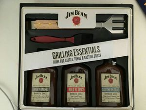Jim Beam Grilling set grilling essentials BBQ sauce tongs and brush for Sale in Modesto, CA
