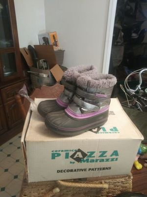 Little girls snow boots for Sale in Rockford, IL