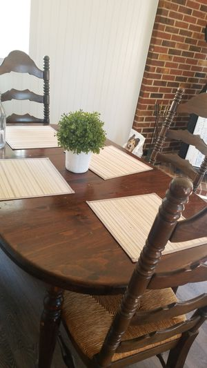Kitchen Dining Room Table with 6 Chairs for Sale in Lake Shore, MD