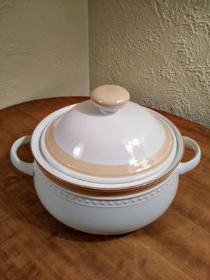 Crowning Haviland 2 Qt Casserole for Sale in Monroeville, PA