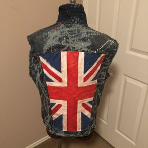 Levi's Splattered Paint British Flag Jacket Fringed Cut-off Sleeves /Size: Large for Sale in Humble, TX
