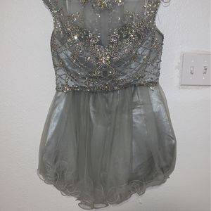 Two-piece silver dress with stones for Sale in Balch Springs, TX