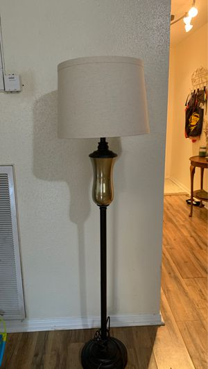 5 ft Floor Lamp for Sale in Spring, TX