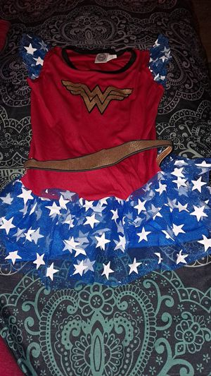 Wonder woman costume size 7 for Sale in Greenville, SC