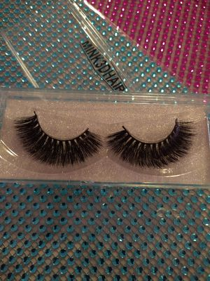 Beautiful soft full dramatic mink lashes for Sale in Fresno, CA