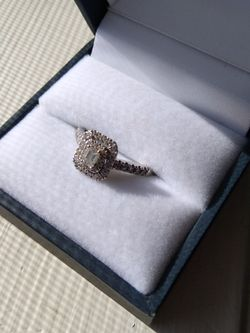 Wedding/Engagement Ring for Sale in Federal Way,  WA