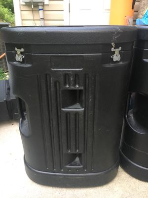 Heavy duty plastic storage container w wheels for Sale in High Point, NC