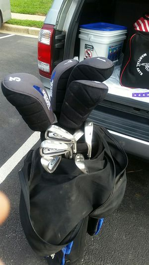 Tiger shark golf club with golf pins and balls for Sale in Washington, DC