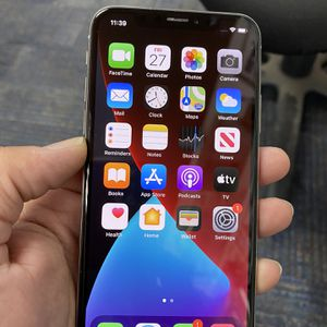 Iphone X 64gb Sliver Unlocked for Sale in Livermore, CA