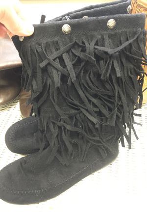 Girls boots size 5 for Sale in Chesapeake, VA