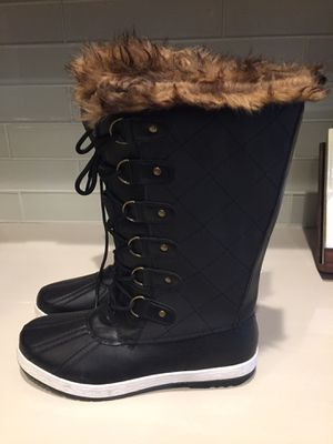 Womens size 9 calf boots waterproof NEW for Sale in Macomb, MI