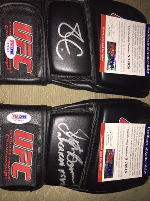 AUTOGRAPHED UFC GLOVES FOR SALE !! for Sale in Levittown, PA