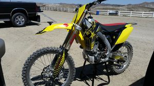 2014 Suzuki 250 plus gear and bag for Sale in Cypress, CA