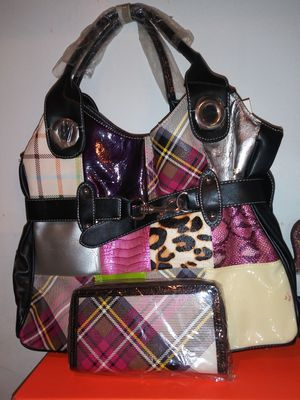 New Patch Print Handbag and Wallet for Sale in Fort Worth, TX